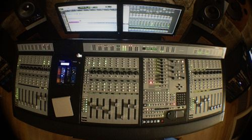 Estudi 1: Mixing a new Donovan's project.